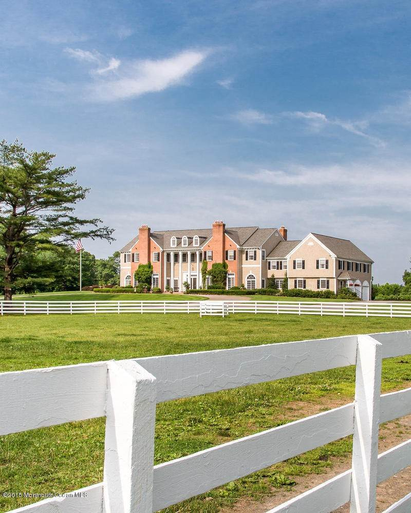 7. Single Family Homes for Sale at 45 Cross Road Colts Neck, New Jersey 07722 United States