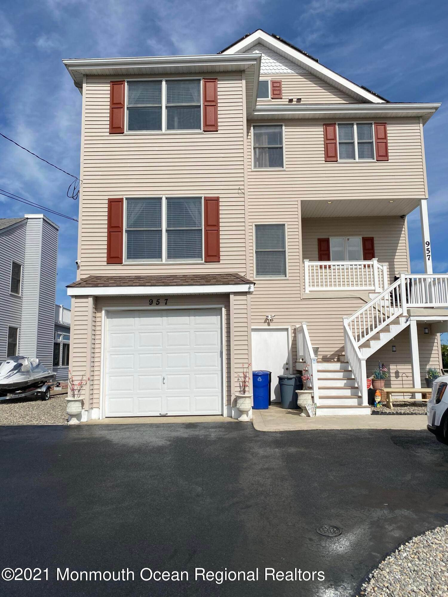 Single Family Homes para Venda às 957 Meadow Lark Drive Lanoka Harbor, Nova Jersey 08734 Estados Unidos