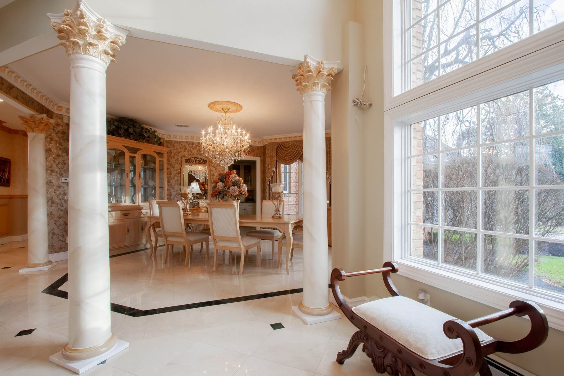 10. Single Family Homes for Sale at Live Palatial 4 Lexington Court Colts Neck, New Jersey 07722 United States