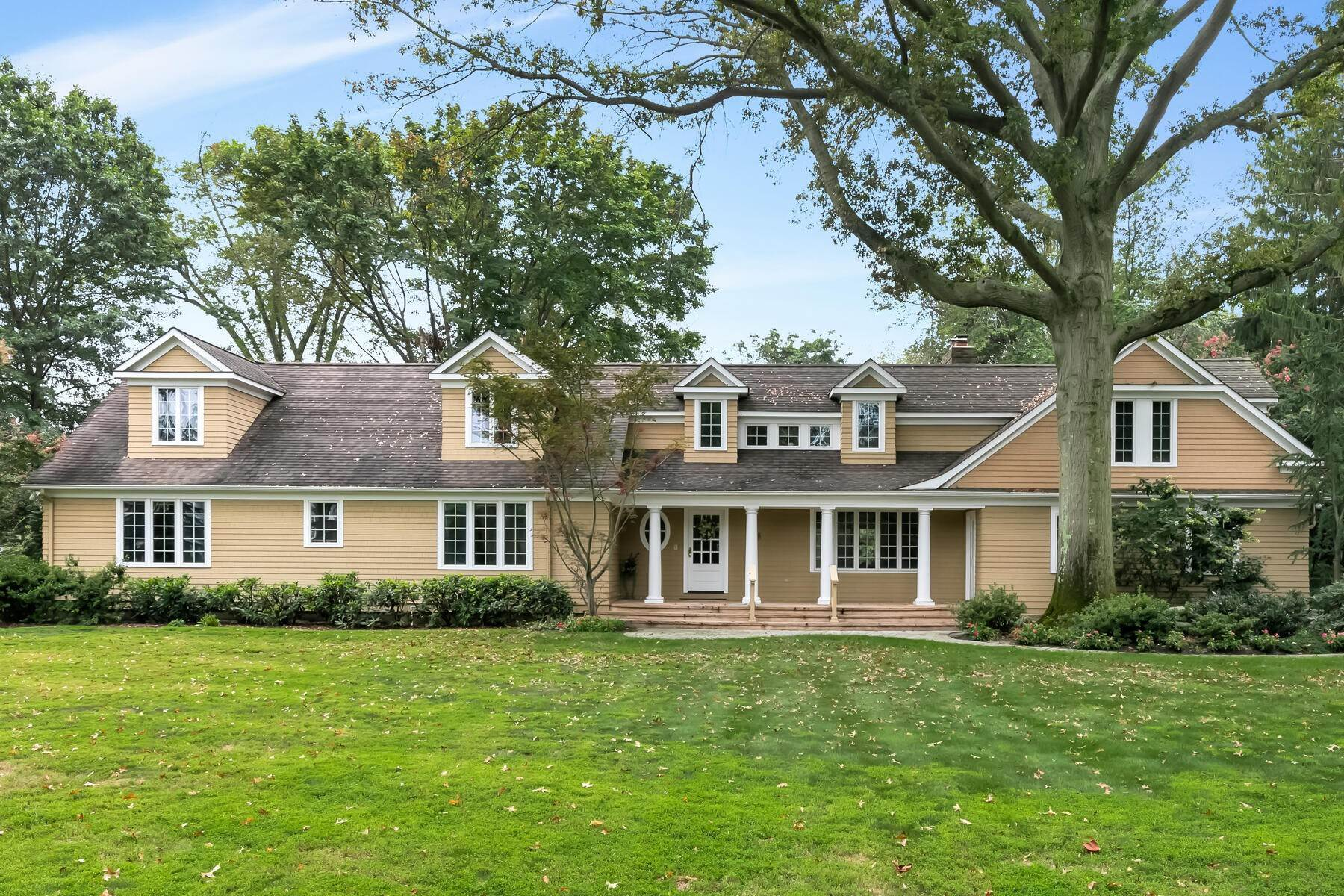 Single Family Homes for Sale at Welcome to 18 Sailers Way, Rumson 18 Sailers Way Rumson, New Jersey 07760 United States