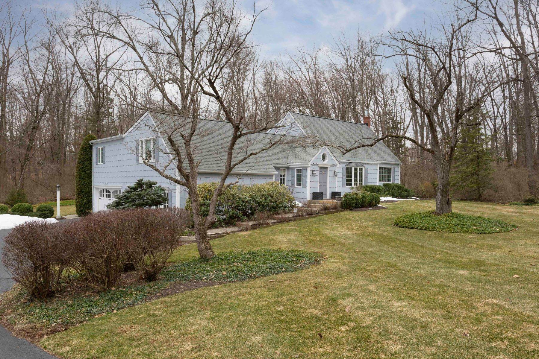 Single Family Homes for Sale at Sun Filled Expanded Cape 177 Spencer Road Basking Ridge, New Jersey 07920 United States