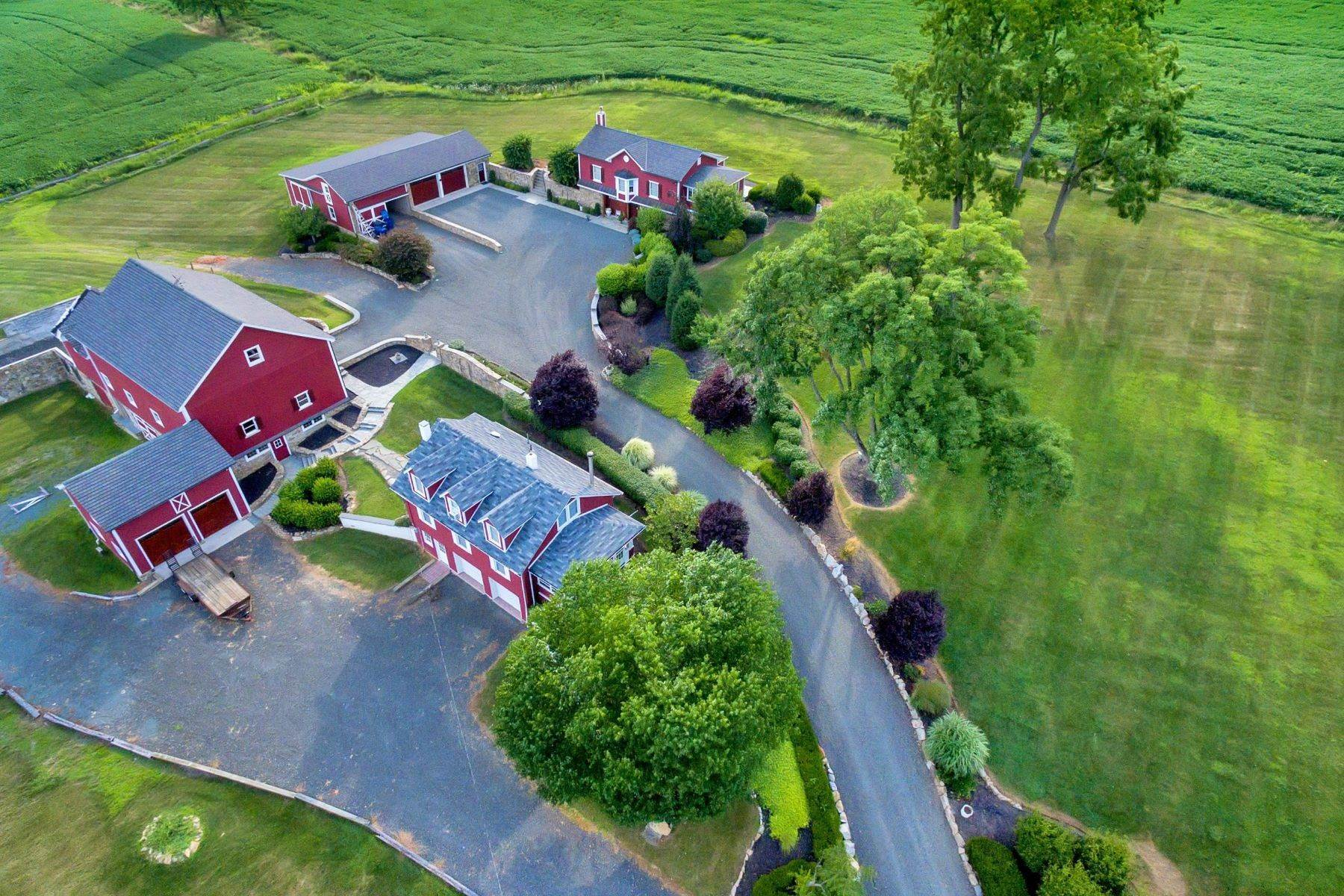 Single Family Homes para Venda às Magnificently Restored Farm 109 Old Turnpike Road Tewksbury Township, Nova Jersey 08858 Estados Unidos