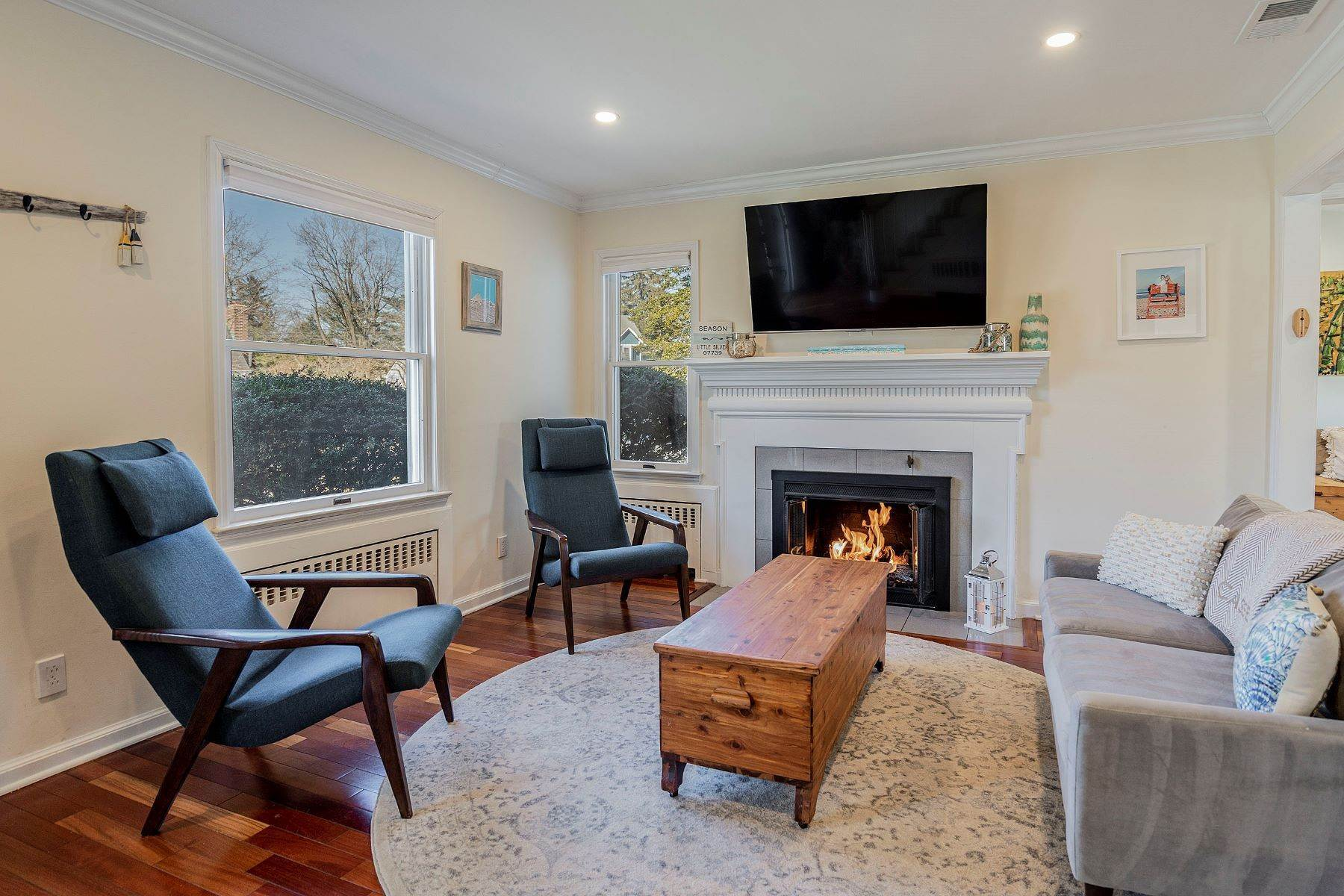 6. Single Family Homes for Sale at Sunnycrest Neighborhood 16 Carlile Terrace Little Silver, New Jersey 07739 United States