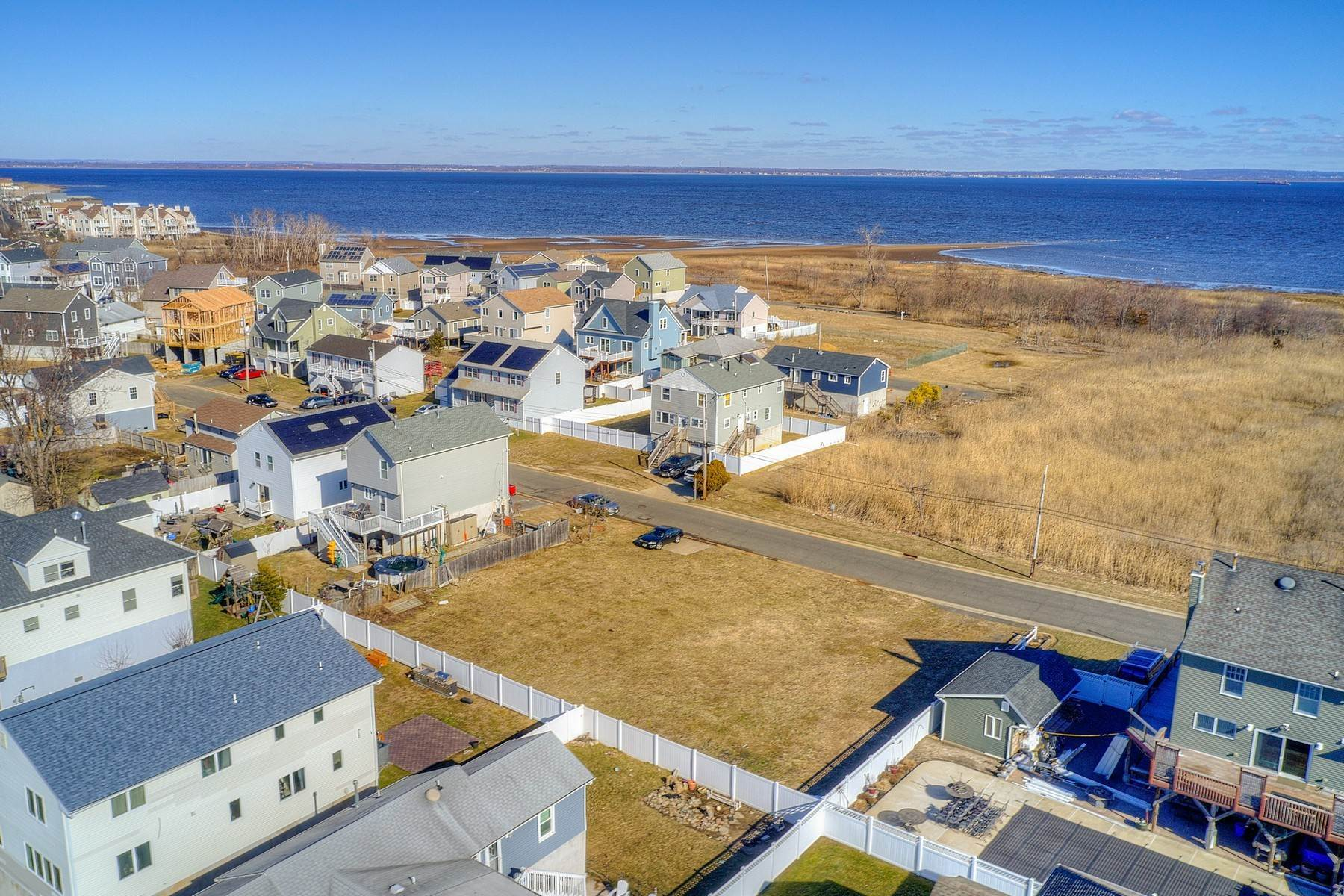 7. Single Family Homes for Sale at 824 A Bayview Avenue, Union Beach, NJ 824 Bayview Avenue, A Union Beach, New Jersey 07735 United States