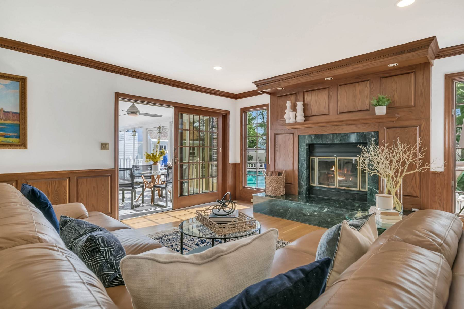 9. Single Family Homes for Sale at Elegance Meets Edgy Infused with Exceptional Quality and Custom Updates 130 Lippincott Road Little Silver, New Jersey 07739 United States