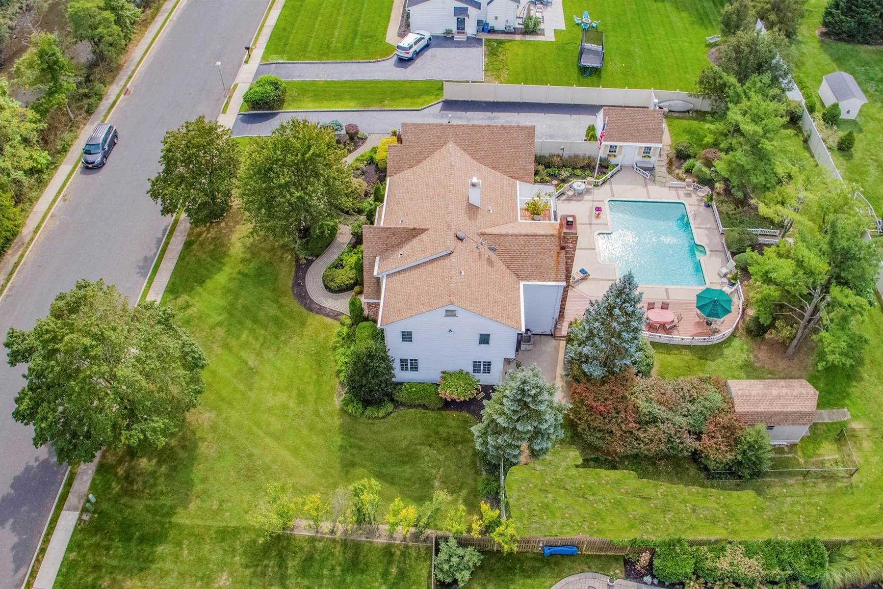 47. Single Family Homes for Sale at Elegance Meets Edgy Infused with Exceptional Quality and Custom Updates 130 Lippincott Road Little Silver, New Jersey 07739 United States