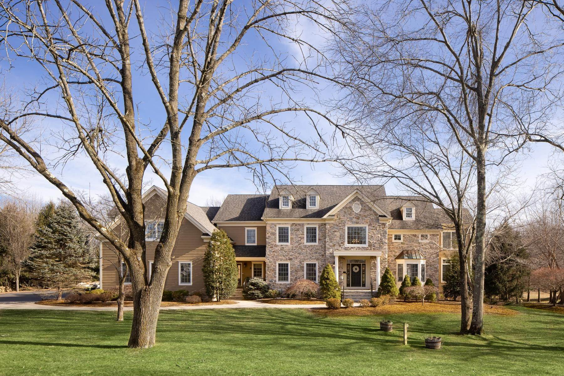 Single Family Homes for Sale at Emerald Valley Perfection 15 Emerald Valley Lane Basking Ridge, New Jersey 07920 United States
