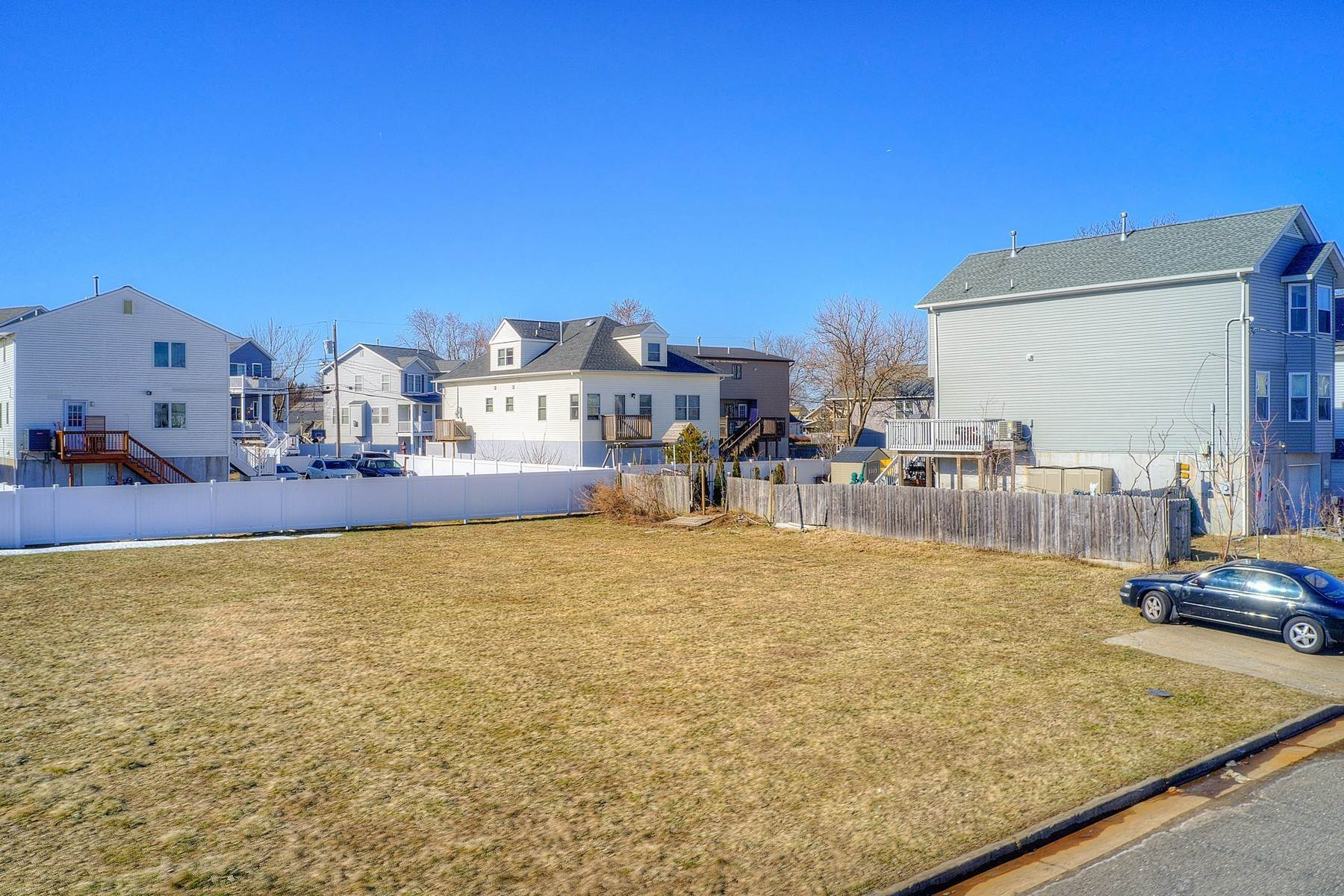9. Single Family Homes for Sale at 824 A Bayview Avenue, Union Beach, NJ 824 Bayview Avenue, A Union Beach, New Jersey 07735 United States