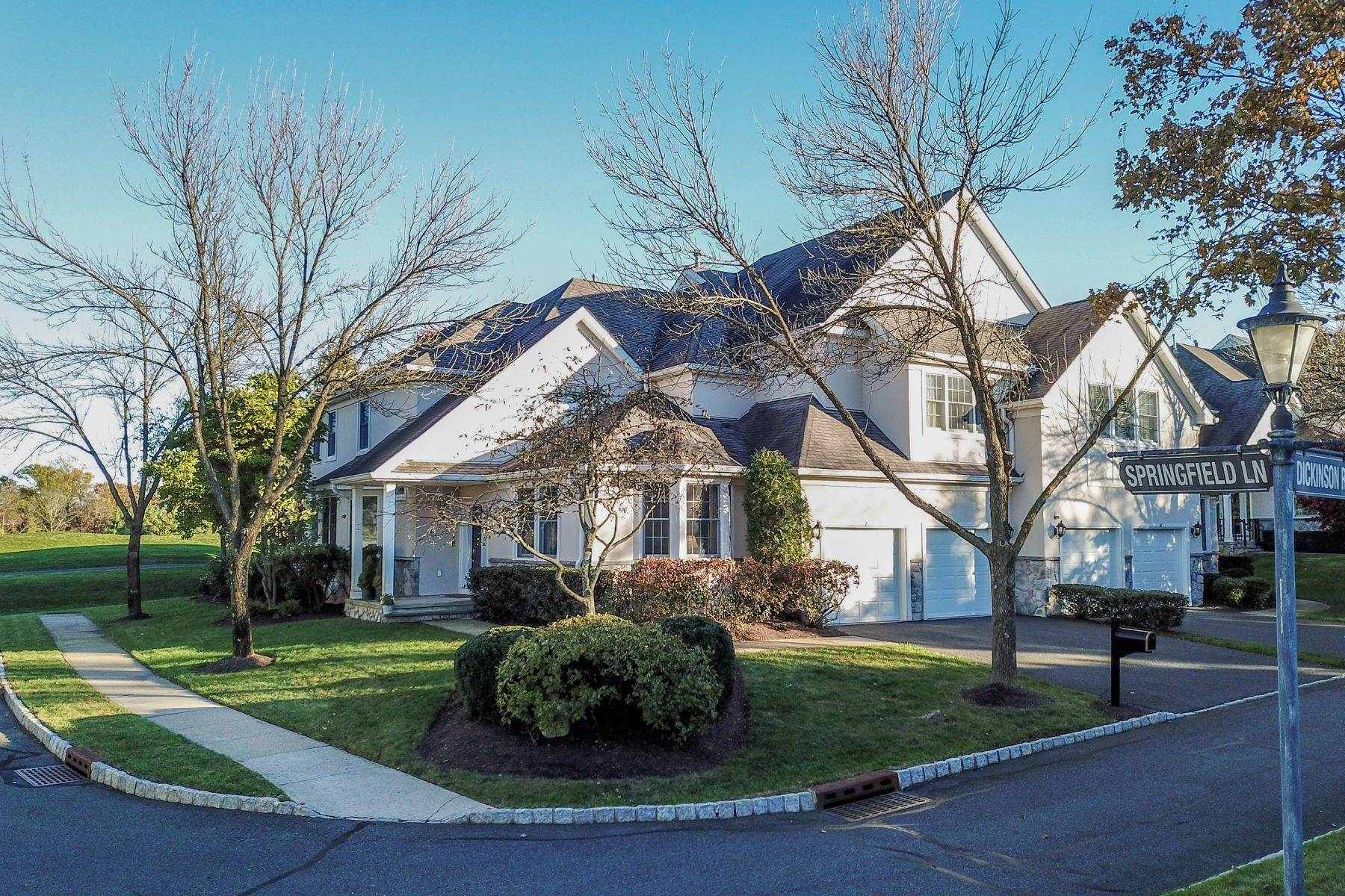 townhouses for Sale at Extraordinary Amherst Mews Townhouse 7 Springfield Lane Basking Ridge, New Jersey 07920 United States