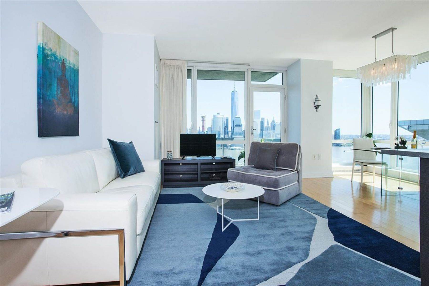 Condominiums em Welcome to unparalleled luxury at Crystal Point. 2 2nd Street, #3105 Jersey City, Nova Jersey 07302 Estados Unidos