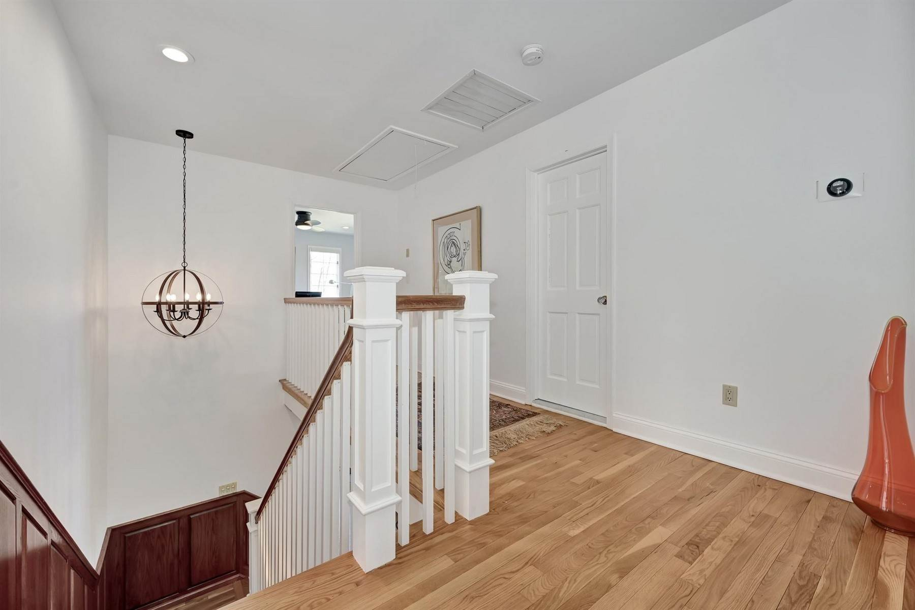 22. Single Family Homes for Sale at Elegance Meets Edgy Infused with Exceptional Quality and Custom Updates 130 Lippincott Road Little Silver, New Jersey 07739 United States